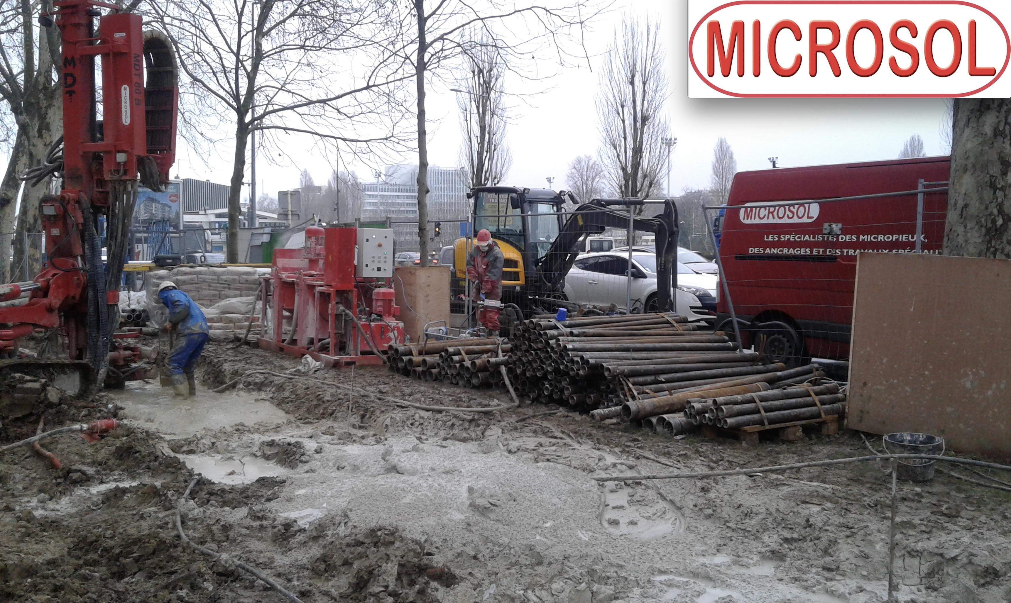 CONSTRUCTION D'UN MUR ANTI-BRUIT